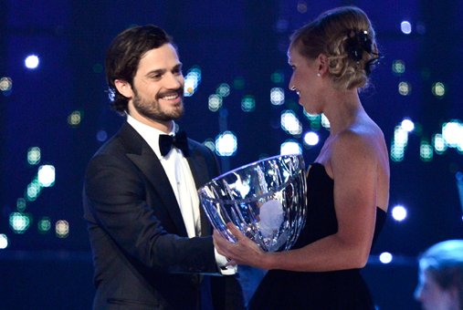 "Prince Carl-Philip of Sweden awarding Lisa Norden the ""Jerringpriset"""